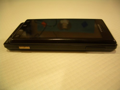 Motorola Droid right side