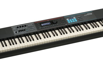 Roland debuts JUNO-DS Synthesizer