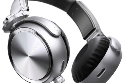 Sony introduces new MDR-XB910 headphones