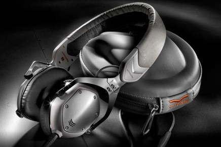 V-Moda introduce new XS Headphones