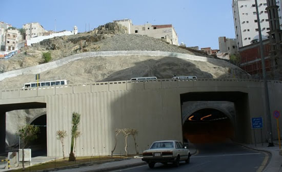 Tunnel under Mecca