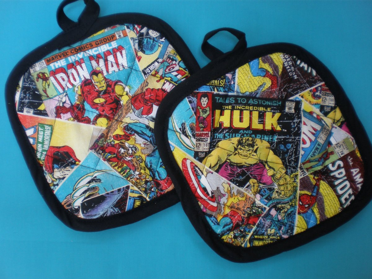 Marvel's Avengers Pot Holders and Apron