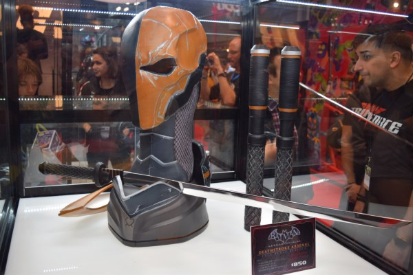 TriForce Arkham Origins Deathstroke Arsenal 5