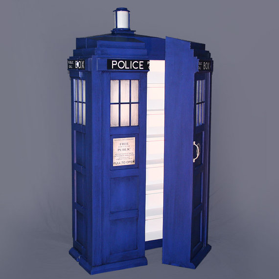 Doctor Who Shelving System Opening - Geek Decor