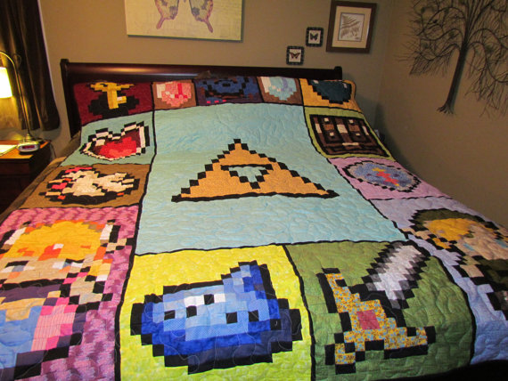 Geek out over this zelda quilt geek decor for Decoration zelda
