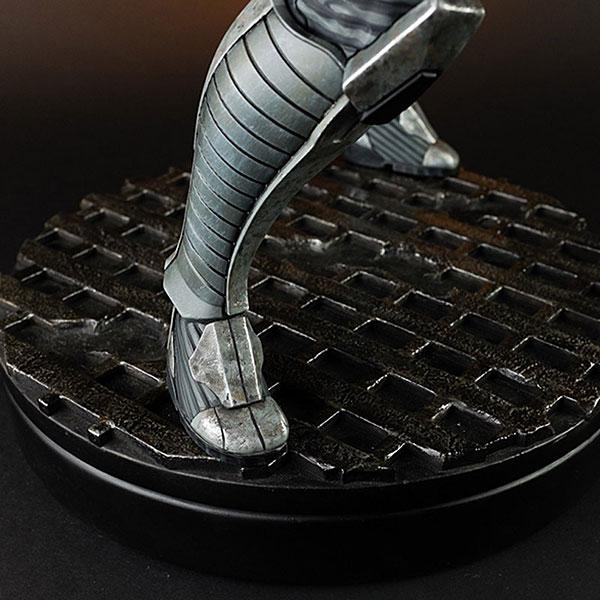 Liara Mass Effect 3 Statue Feet - Geek Decor