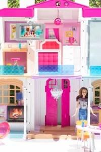 Barbie Hello Dreamhouse: la casa di Barbie diventa smart