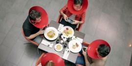 Social Media Guard - Coca-Cola contre les accros medias sociaux mobile
