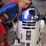 Supergirl and R2-D2 @ Dragon Con 2012 - Picture by Mhaithaca
