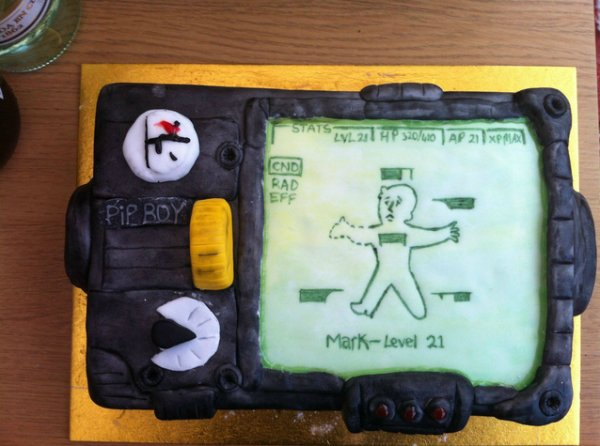 fallout-pip-boy-cake