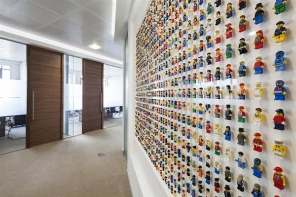1200-Minifigure-LEGO-Office-Wall-by-Acrylicize-2