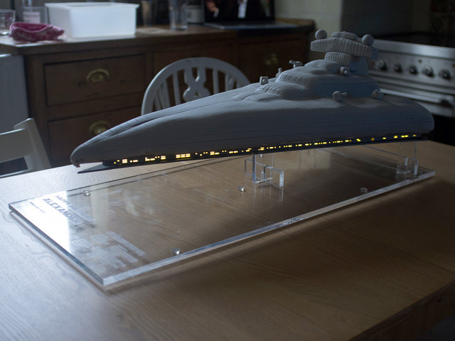 star-destroyer-cake-2