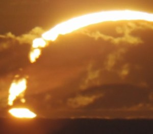Ring of Fire: Magnificent Annular Solar Eclipse Sunrise over Western Australia [Video]
