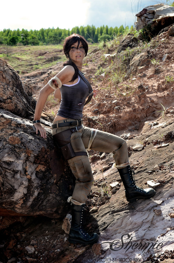 lara-croft-shermie-cosplay-1
