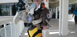 Seraph Cosplay as Tracer from Overwatch