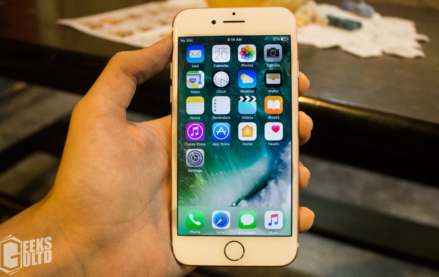 Apple iPhone 7 Review: iOS 10