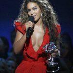 Cantora Beyoncé assinará fragrância de perfume
