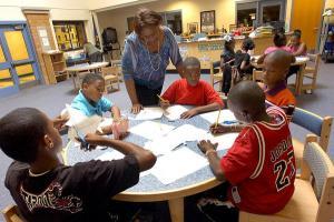 Por uma pedagogia anti-racista desda creche: descolonizando as armadilhas da educação básica