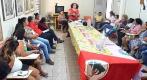 Mulheres sem terra debatem a importância da questão de gênero dentro do Movimento