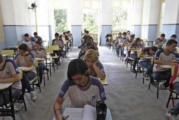 Ministro anuncia reforma do ensino médio e fim de várias disciplinas
