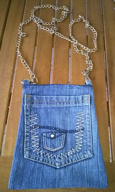 Come fare una borsa con vecchi jeans – Facile | Genitorialmente