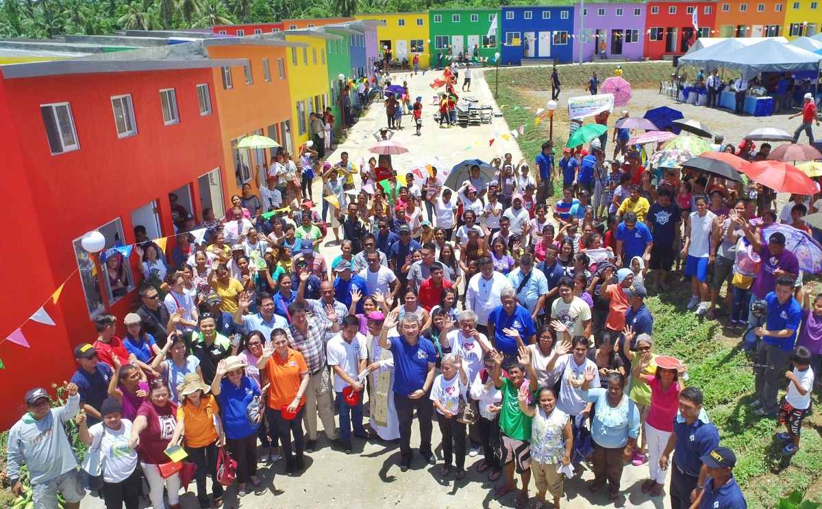Tacloban receives biggest housing village for Yolanda survivors from SM & donors
