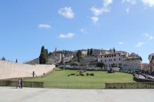 vista assisi basilica umbria green tour