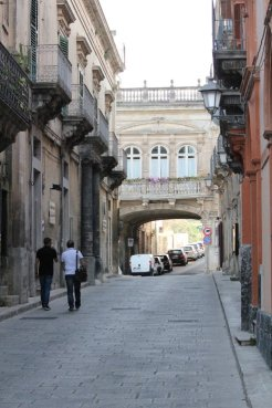 ragusa ibla arco ponte centro storico val di noto