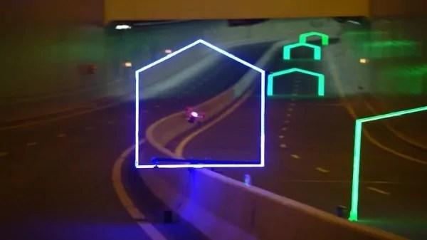 casopis-geobusiness-ferrari-vs-dron-dubai-world-drone-prix-2016-0003