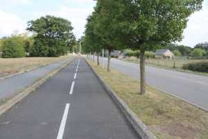 Orvault cycleway coming into Nantes