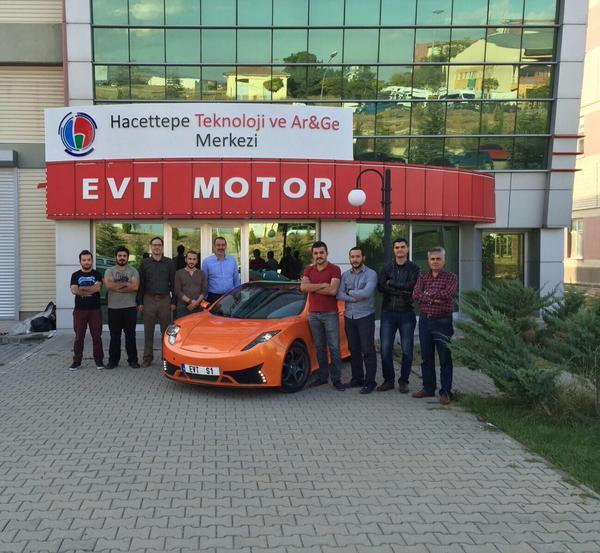 Hacettepe Teknokent Türk Yapımı Elektrikli Spor Otomobil EVT S1'i Tanıttı
