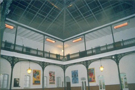 Patio interior cubierto del Colegio Mayor General