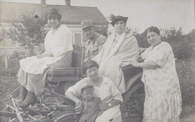 Luttenberg 1915 – Mamma, Nino e amici