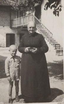 1930 – Nonna Teresa Menon con il nipote Renzo