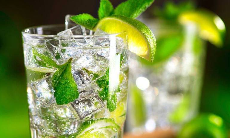 bigstock-Mojito-cocktail-on-a-table-in-130888100