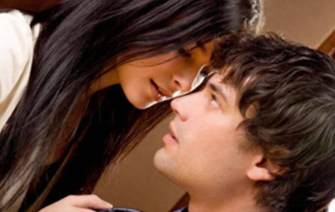 Μήπως η αγάπη σου είναι πιεστική; Τι να κάνεις για να μην τον πνίγεις