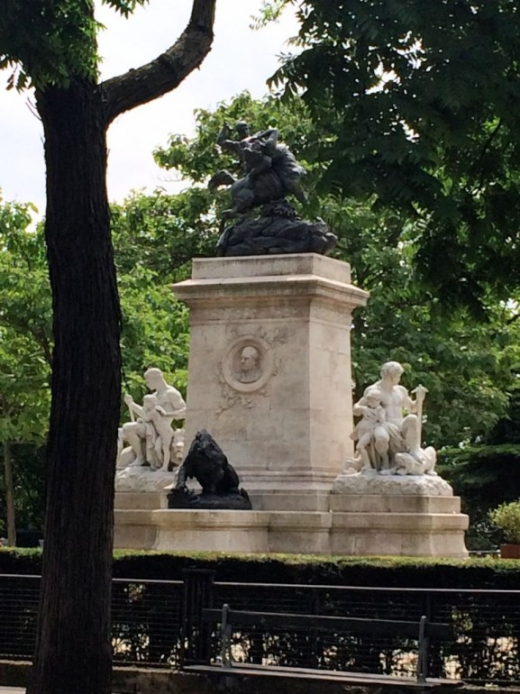 Square Barye sur l'ile Saint Louis - Paris juin 2014