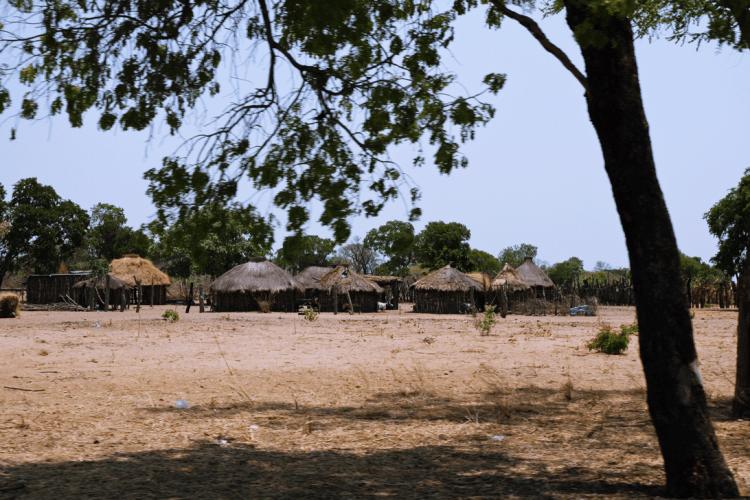 Rundhütten auf dem Weg in den Caprivi-Streifen