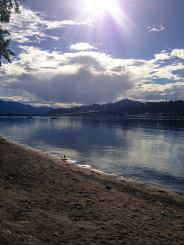 An den Ufern des Okanagan Lake, British Columbia