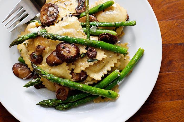 Ravioli with Asparagus and Mushrooms   girlgonegourmet.com