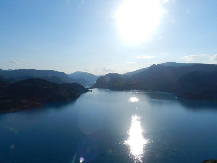 lac de serre ponçon en ubaye