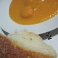 Zuppa di carote, zenzero e miele