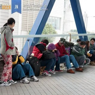 ipad 4g scalpers wait in hong kong
