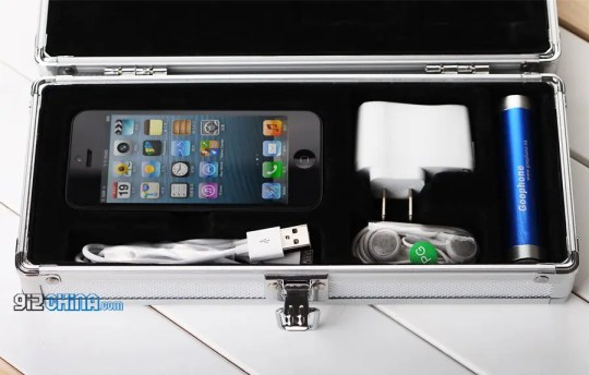 goophone i5 iphone 5 clone box and accessories leaked 1