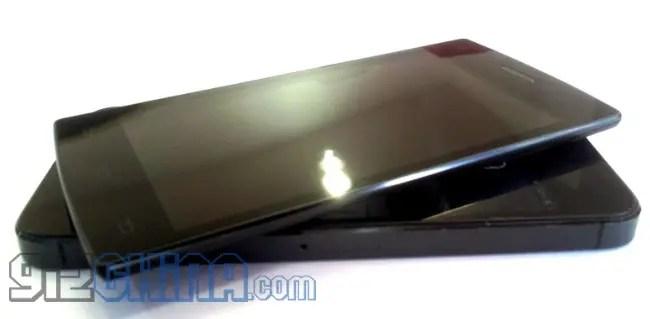 Umeox X5 Vs iPhone5