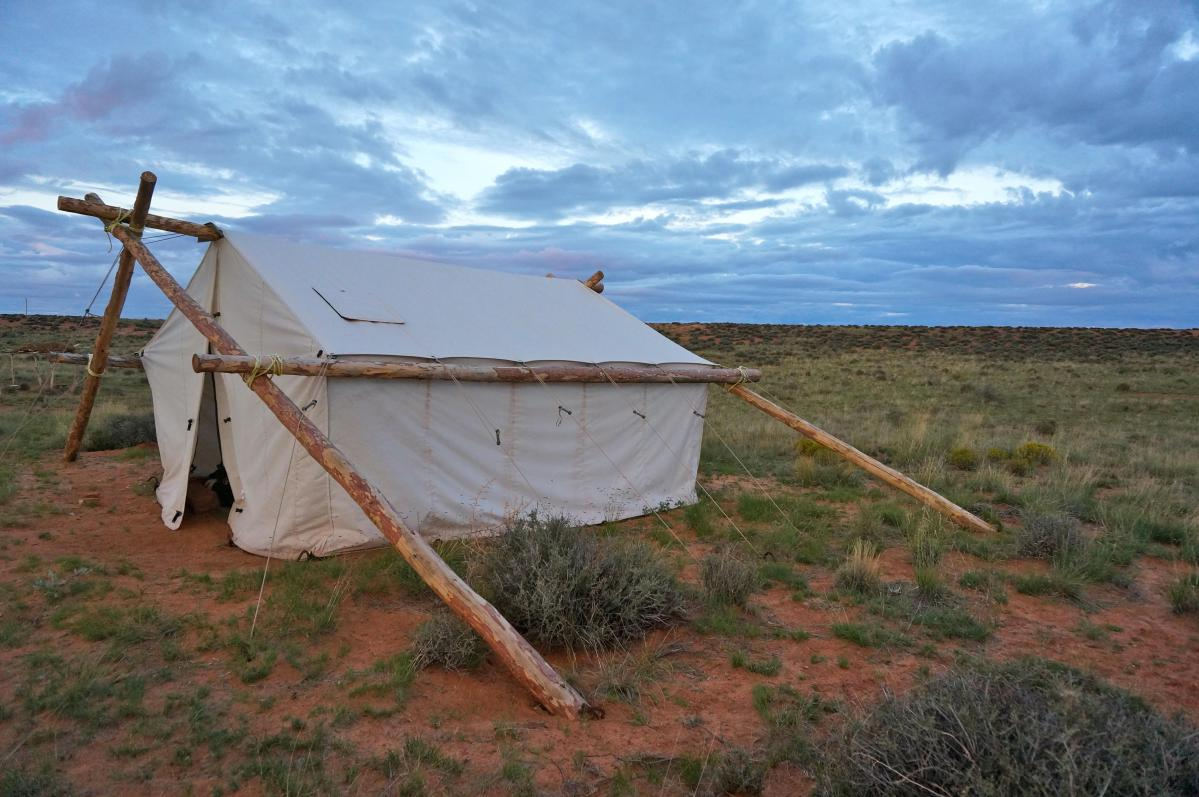 Shash Dine' Eco-Retreat: A Glamping B&B in Navajo Nation