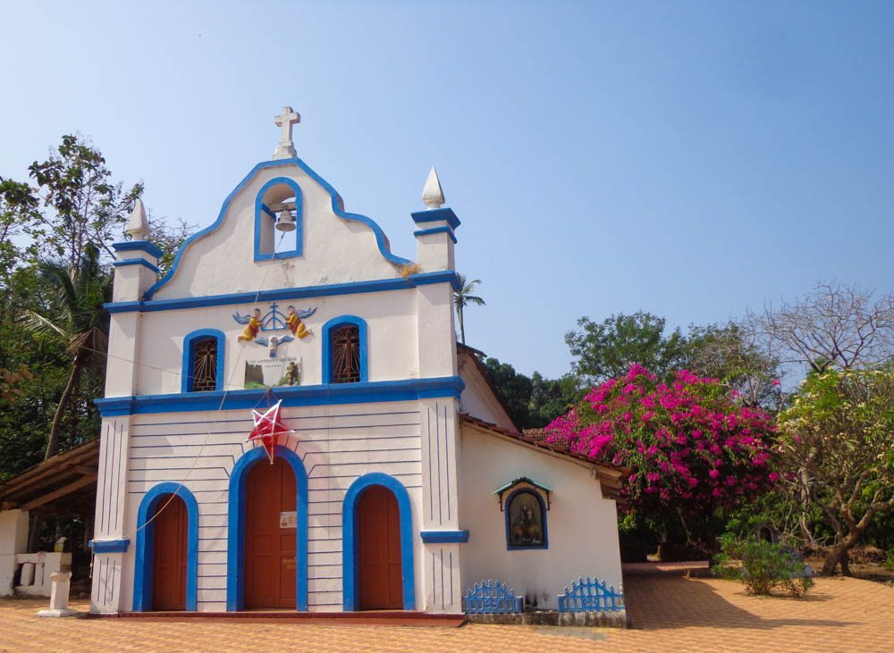 Cute Portuguese churches in Goa