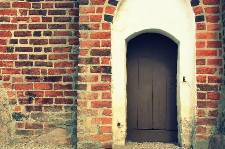Une porte de l'église Magleby - île de Møn - Danemark