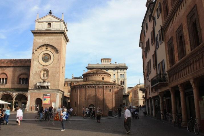Piazza Delle Erbe - Mantoue - Italie