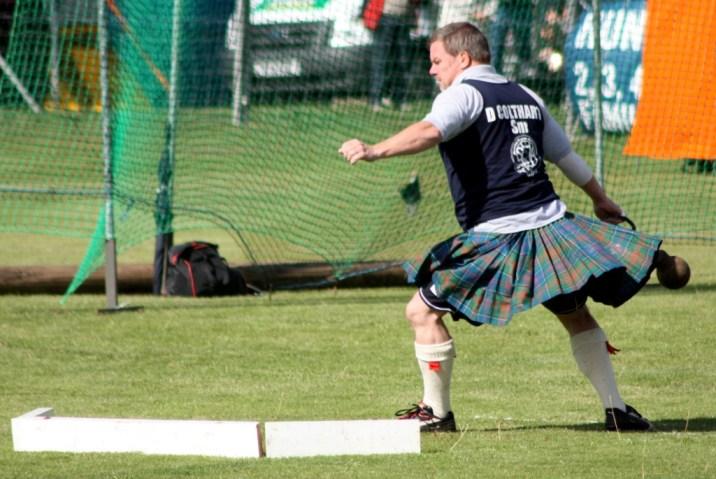 lancer poids - Highland Games - Ecosse